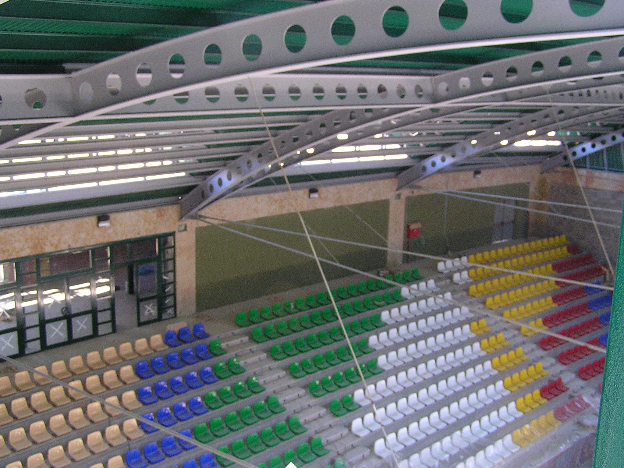 Pabellón Polideportivo Cubierto, en Carbajosa de la Sagrada.  (interior)