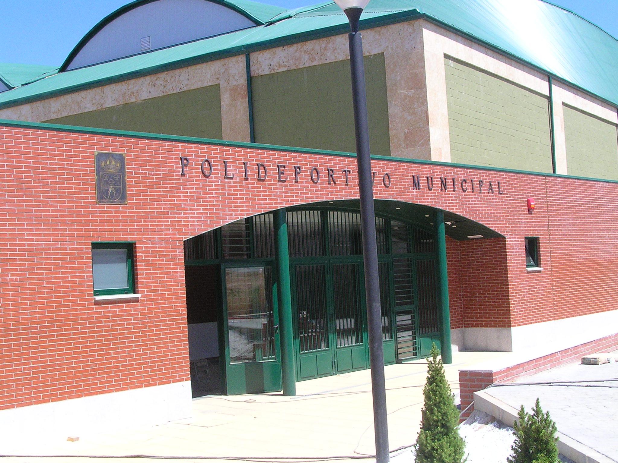Pabellón Polideportivo Cubierto, en Carbajosa de la Sagrada.  (exterior)